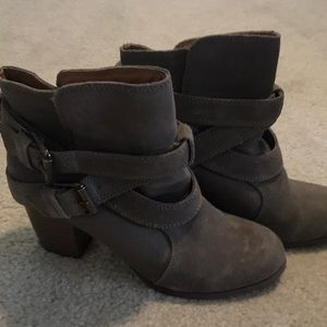 Womens Mossimo ankle booties size 9.5 gray target